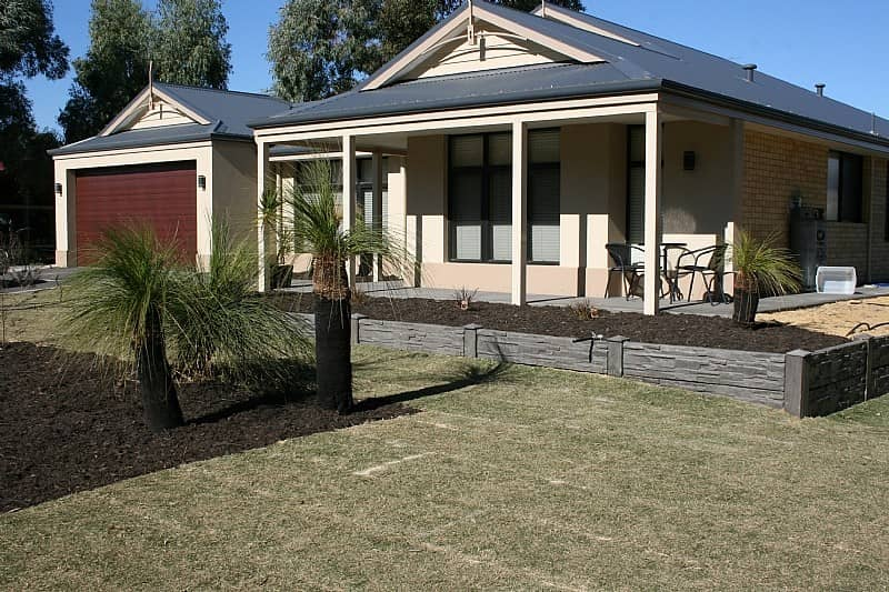 The easiest and most affordable diy retaining walls bradford retaining diy stonerange castlestone charcoal contemporary retaining walls perth solutioingenieria Images